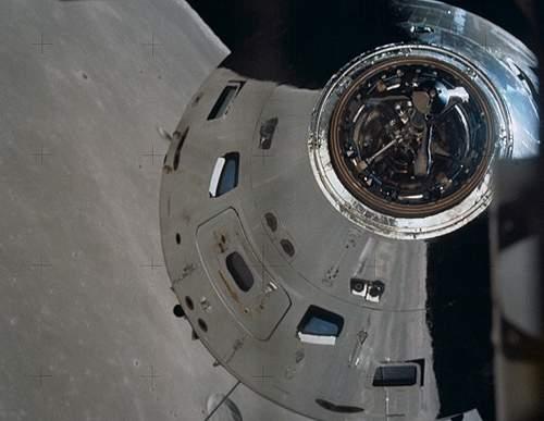 010805081222-primeiro-voo-lua-apollo