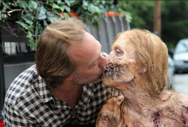 20 fotos curiosas dos bastidores de The Walking Dead (13)