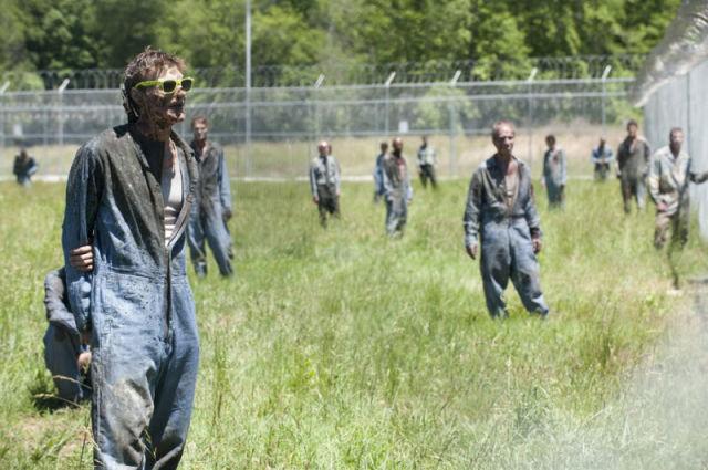 20 fotos curiosas dos bastidores de The Walking Dead (20)