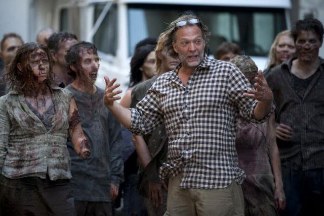 20 fotos curiosas dos bastidores de The Walking Dead (14)