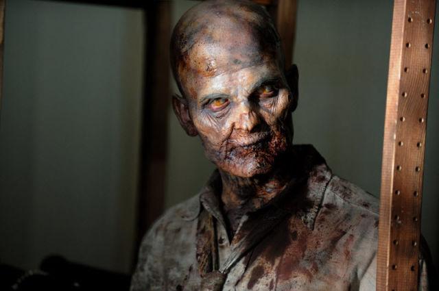 20 fotos curiosas dos bastidores de The Walking Dead (17)