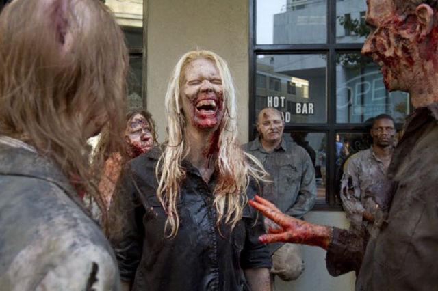 20 fotos curiosas dos bastidores de The Walking Dead (4)