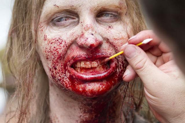 20 fotos curiosas dos bastidores de The Walking Dead (10)