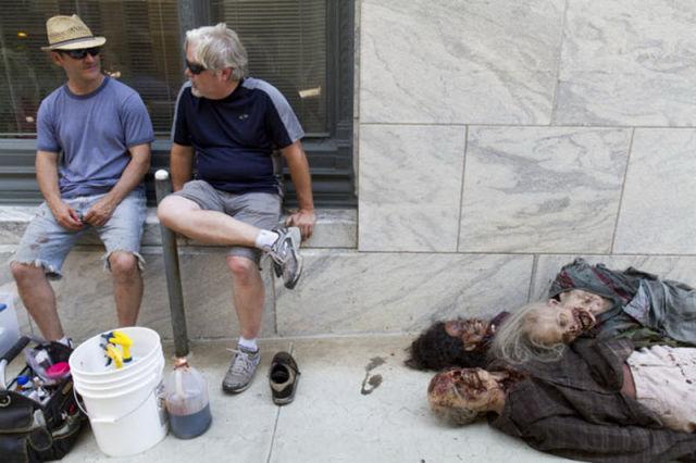 20 fotos curiosas dos bastidores de The Walking Dead (12)
