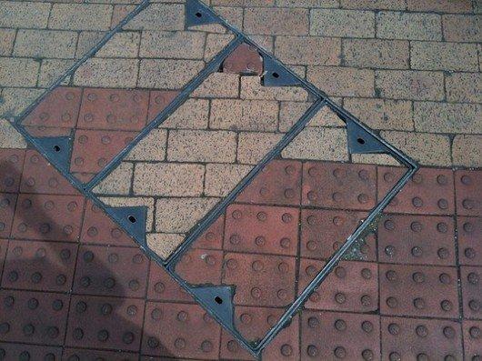 misplaced-manhole-covers-ocd9