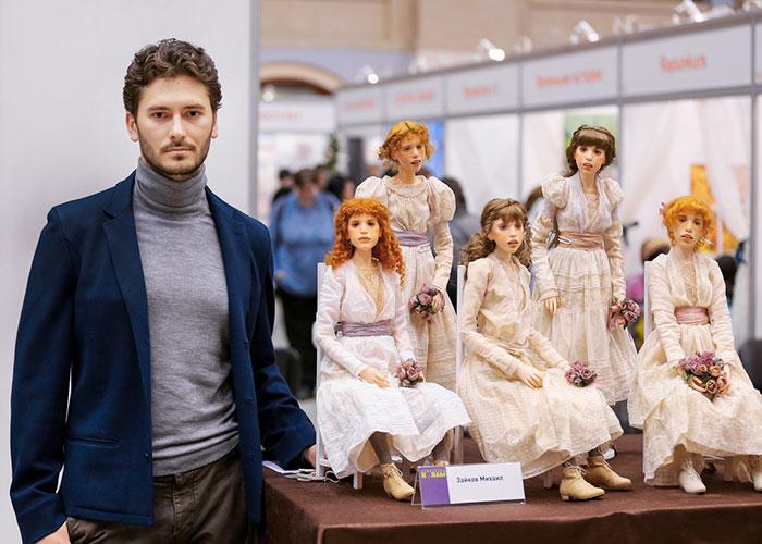 michael-zajkov-bonecas-realistas
