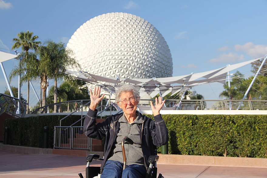 90-year-old-woman-road-trip-cancer-treatment-driving-miss-norma-26