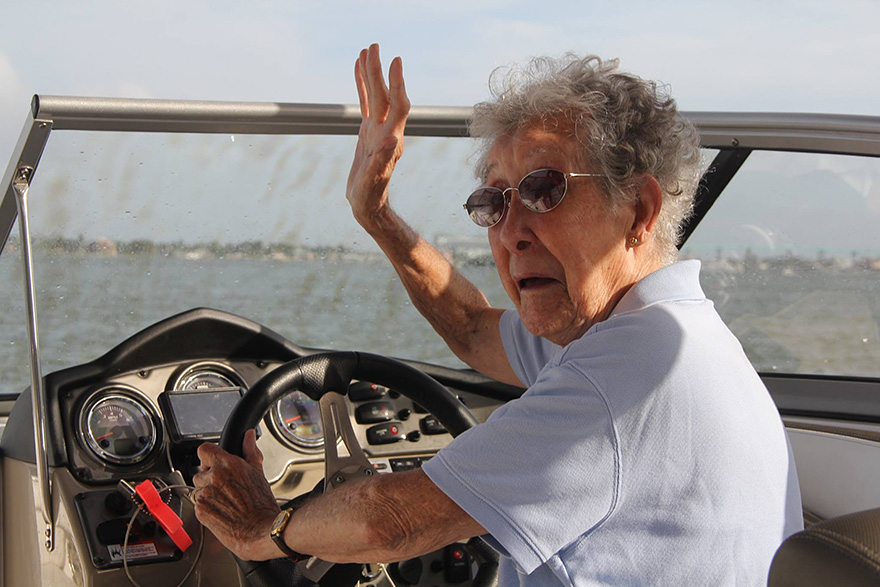 90-year-old-woman-road-trip-cancer-treatment-driving-miss-norma-46