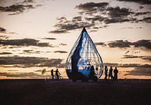 Ele fotografou o Burning Man em 3 diferentes países para mostrar como eles são diferentes